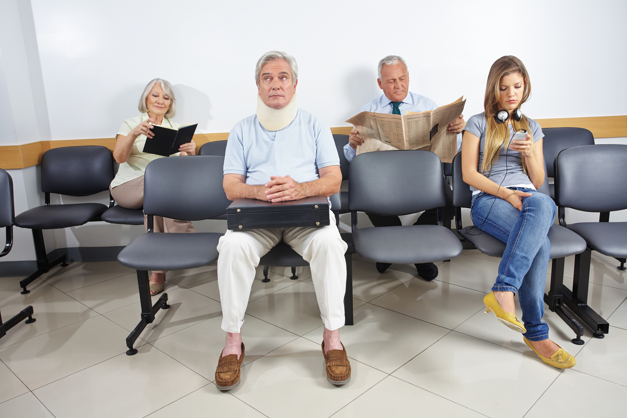 The Waiting Room: Where Suffering Begins - Susan E. Mazer