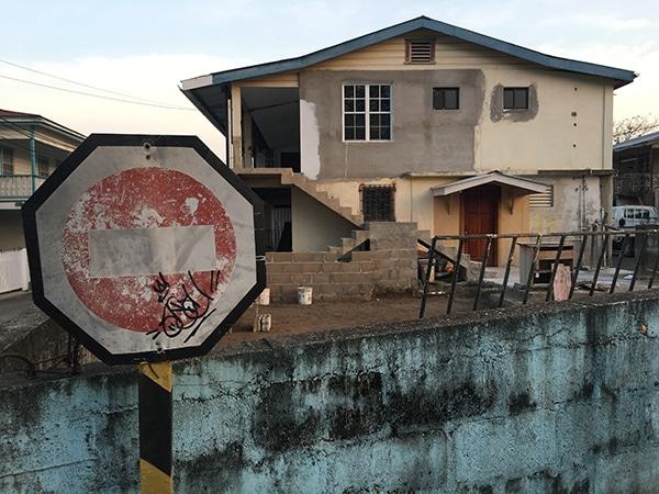 belize_sign_house